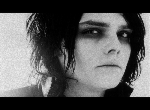 Gerard ★ *___________* - gerard-way Photo