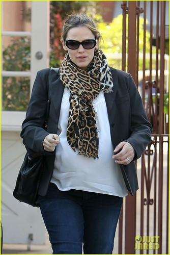 Jennifer Garner: Busy Week!
