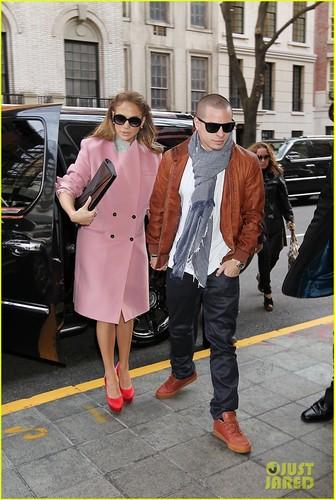 Jennifer Lopez: kulay-rosas amerikana in NYC