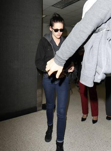 Kristen Stewart arrives at LAX Airport in Los Angeles, California - February 2, 2012.
