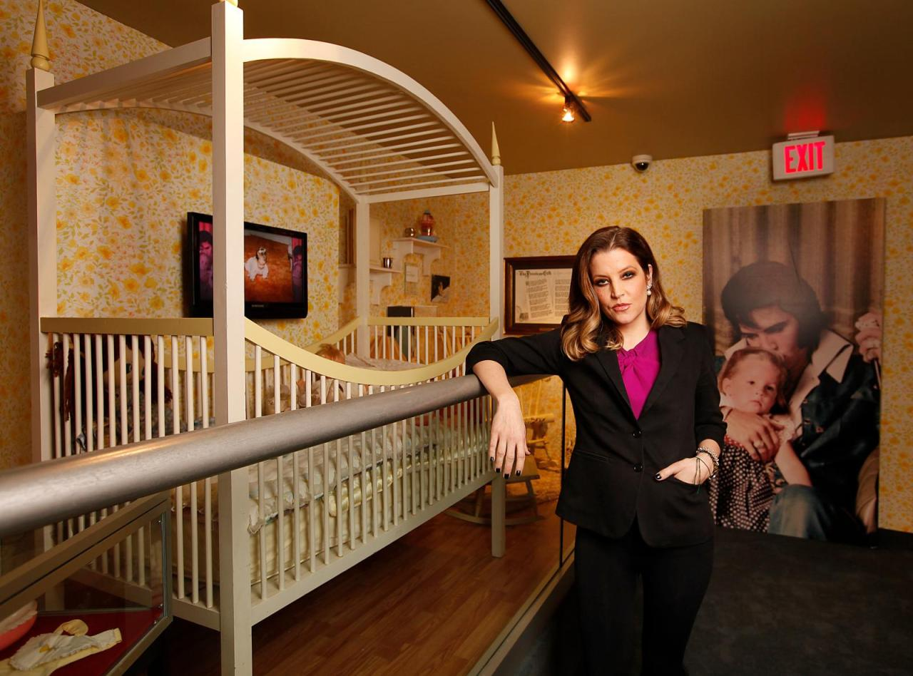 Lisa On Graceland 2012 Lisa Marie Presley Image