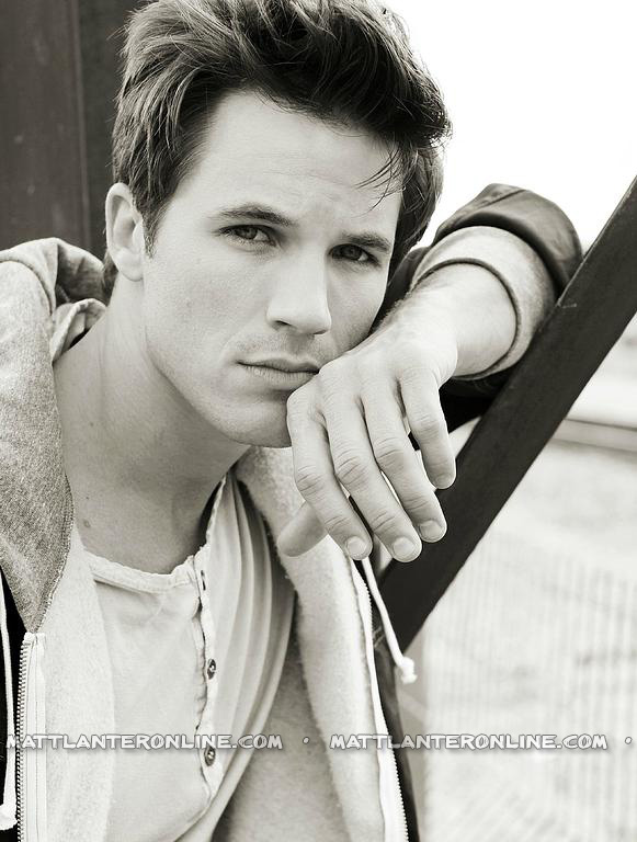 http://images5.fanpop.com/image/photos/28700000/Matt-Lanter-matt-lanter-28750108-581-768.jpg