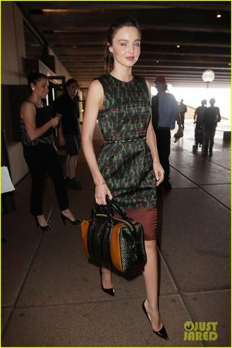 Miranda Kerr: Sydney Opera House Visit!