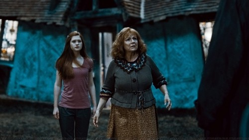 Molly and Ginny Weasley