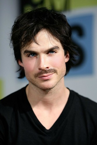 Mustache Ian <33