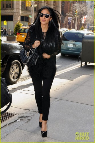 Nicole Scherzinger: Touring Далее Month!
