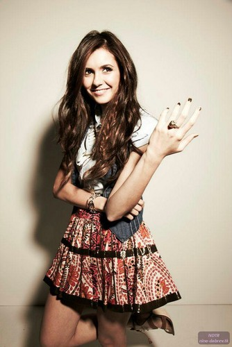 Nina Dobrev fond d'écran called Nylon Shoots