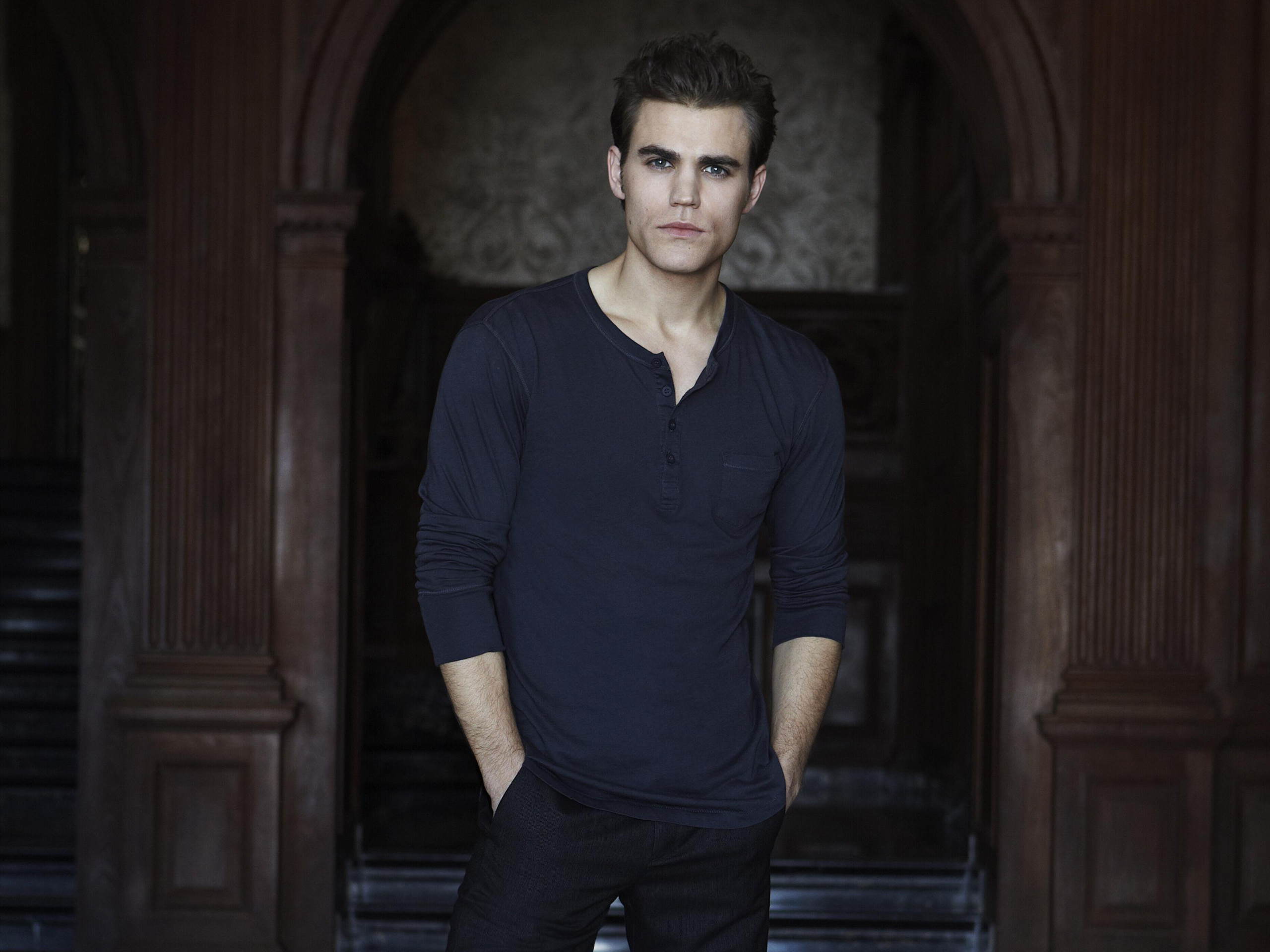 http://images5.fanpop.com/image/photos/28700000/Paul-Wesley-paul-wesley-28759695-2560-1920.jpg