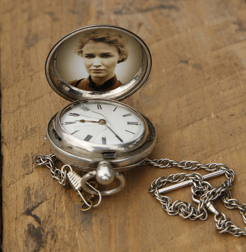Pocket-watch with foto of Lily campana, bell from Episode 2