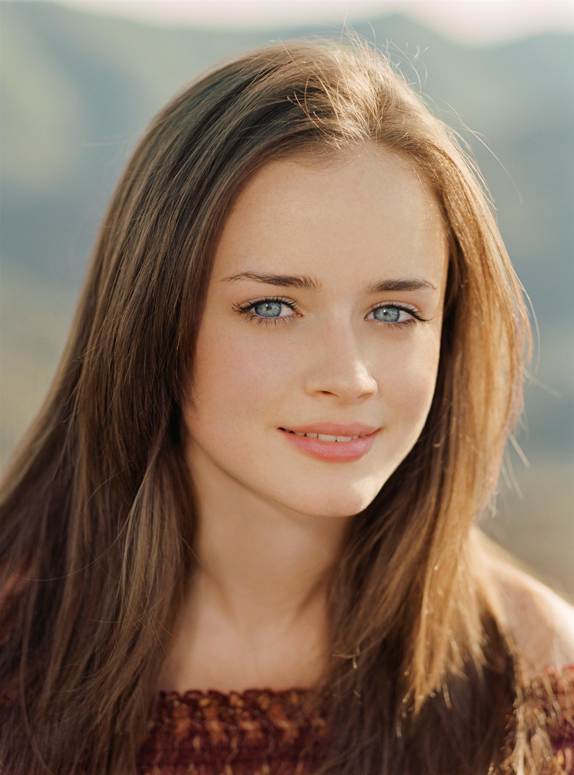 Фото красивых девушек до 16лет