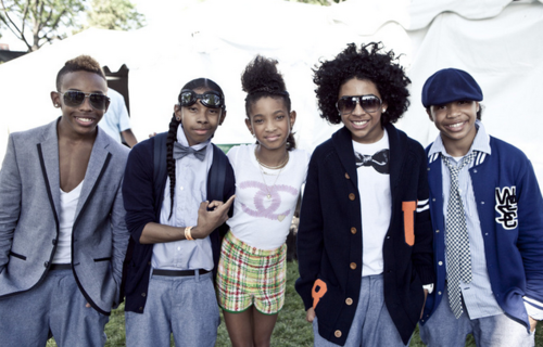 Willow Smith 壁纸 possibly containing a well dressed person, sunglasses, and a business suit titled Willow <3