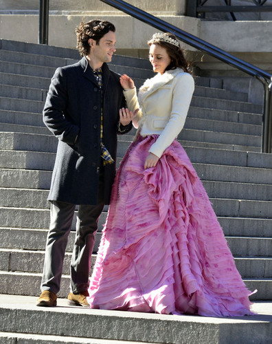 Gossip Girl wallpaper called  Set Photos of Blair & Dan