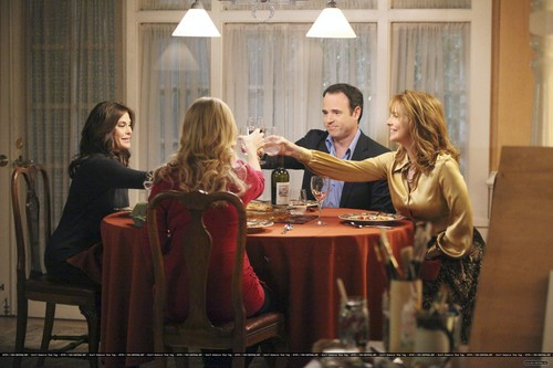 "8x13 ""Is This What You Call Love?"" - desperate-housewives Photo"