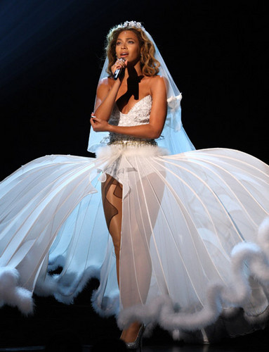 Beyonce wallpaper with a gown titled ANGEL♥♥