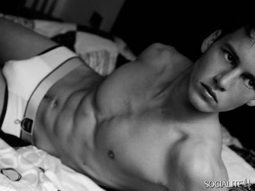 Alfred Kovac Modeling 写真
