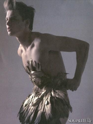 Alfred Kovac Modeling các bức ảnh