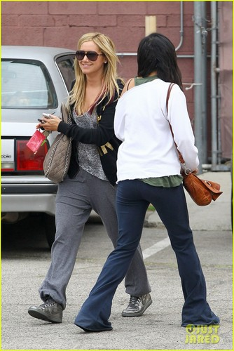 Ashley Tisdale: Dance Duo