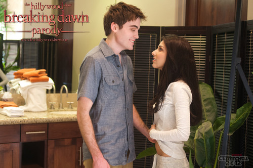 "Breaking Dawn Parody দ্বারা ""The Hilywood Show"""