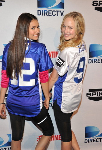 Candice at DIRECTV's Sixth Annual Celebrity समुद्र तट Bowl