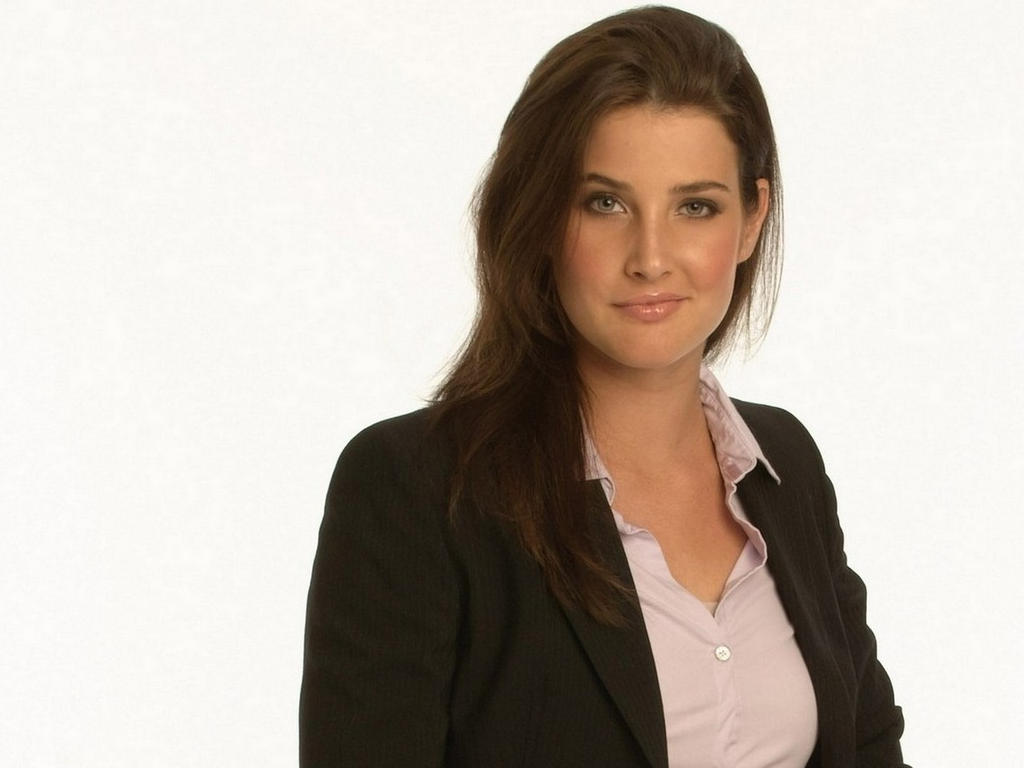 how tall is coby smulders