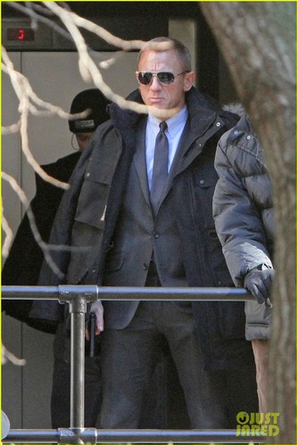 Daniel Craig 《金装律师》 Up for 'Skyfall'