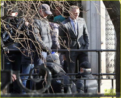 Daniel Craig Suits Up for 'Skyfall'