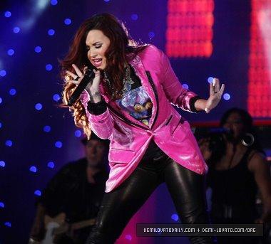 Demi Lovato in Chile (2012)
