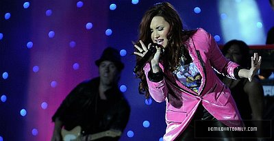 Demi Lovato in Chile (2012)