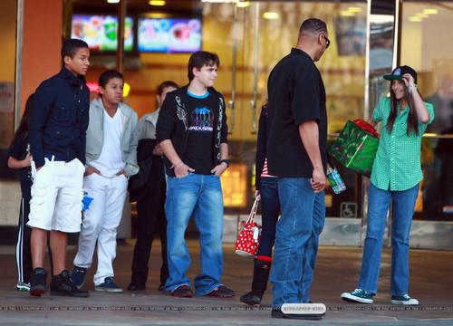 ファン met Michael Jackson's kids aand Jermaine Jackson's kids