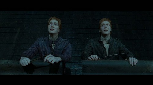 Fred and George Weasley wallpaper called Fred & George in Deathly Hallows pt 2
