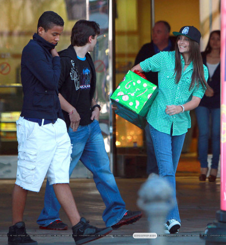 Jaafar Jackson with his cousins Prince and Paris Jackson at the commons movie in calabasas