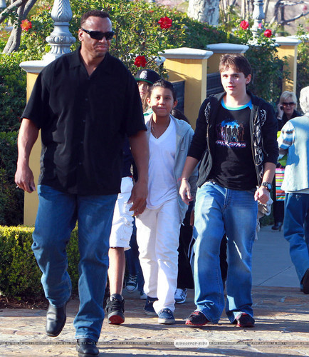 Jermajesty Jackson with his cousin Prince Jackson at the Film