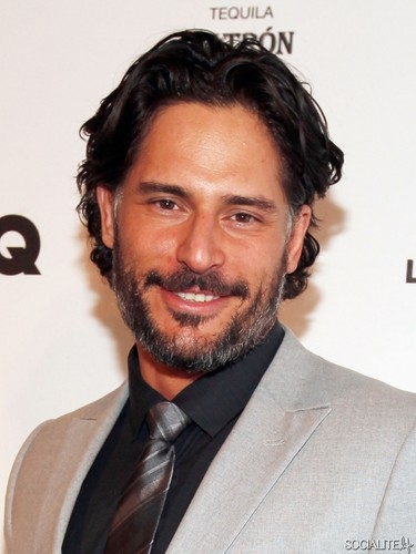 Joe Manganiello karatasi la kupamba ukuta containing a business suit, a suit, and a pinstripe called Joe Manganiello Parties Ahead Of Super Bowl XLVI