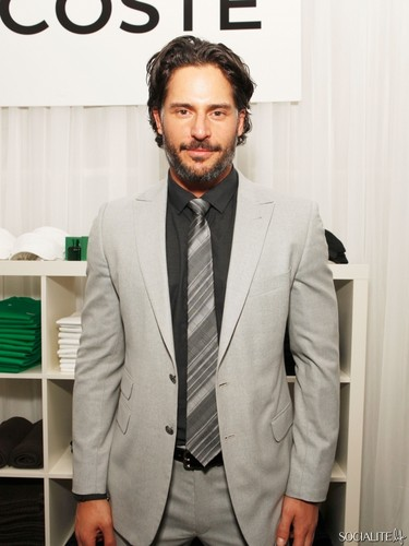 Joe Manganiello wallpaper with a business suit, a suit, and a single breasted suit called Joe Manganiello Parties Ahead Of Super Bowl XLVI