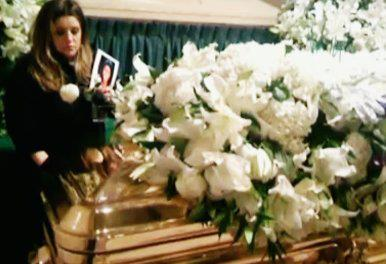 Lisa Marie Presley in Michael Jackson Memorial :'(