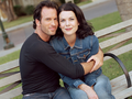 Lorelai & Luke - gilmore-girls wallpaper