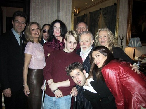 Michael Jackson and Macaulay Culkin