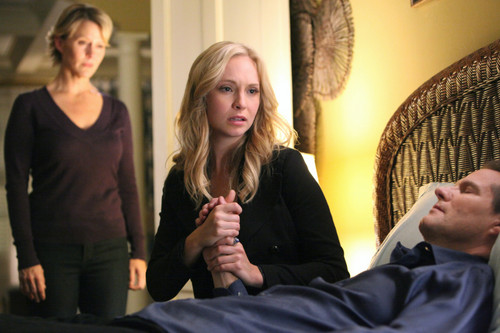 "New TVD stills - 3x13: ""Bringing Out the Dead"""