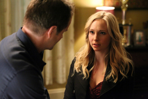 New-TVD-stills-3x13-Bringing-Out-the-Dead-candice-accola