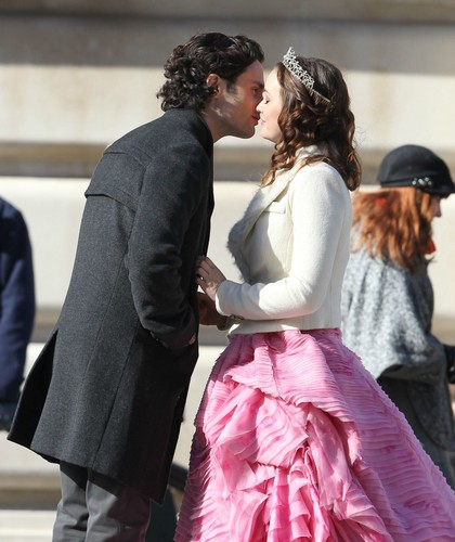 On set February 6, 2012 HIGH QUALITY