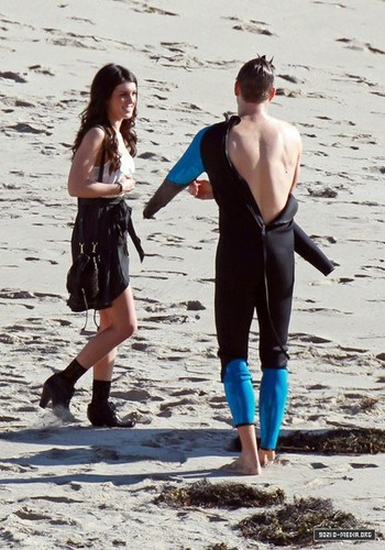 Shenae and Rob on set