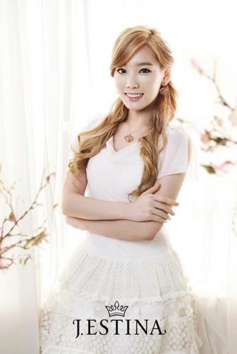 Taeyeon @ J.ESTINA