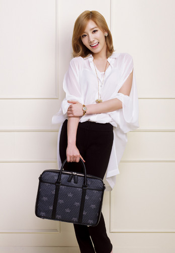 Kim Taeyeon images Taeyeon @ J.ESTINA wallpaper and background photos