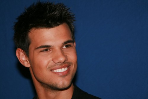 Taylor Lautner is #17 on The Hits Radio's '25 Sexiest Men on the Planet 2012′