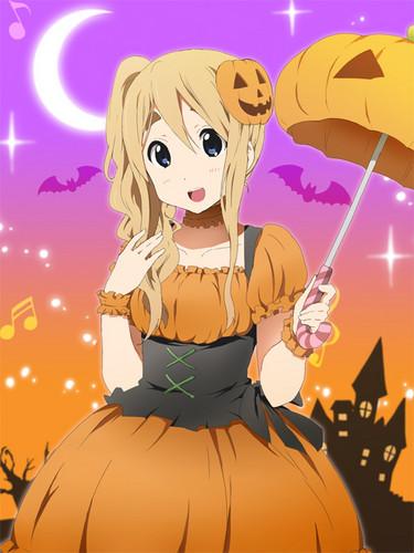 "Tsumugi says ""Happy Halloween!"""