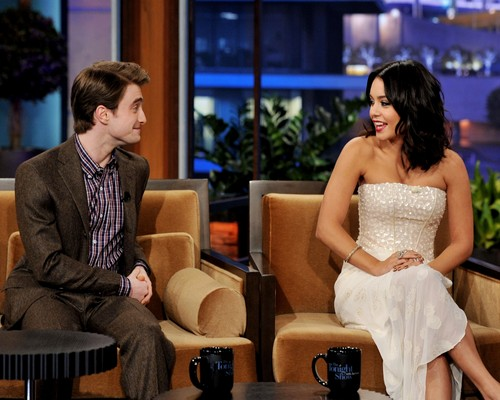 Vanessa Hudgens At Tonight Show With Jay Leno Wallpaper