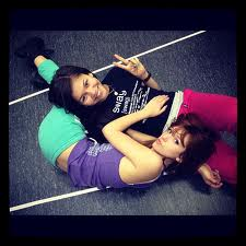 Zendaya and Bella <3