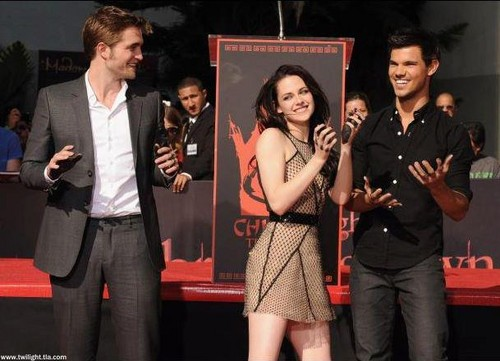 rob, taylor and Kristen