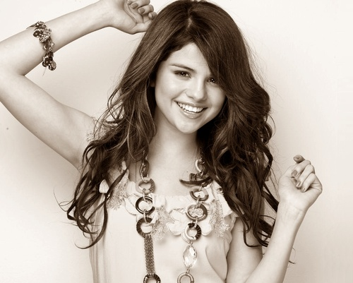 selena beautiful