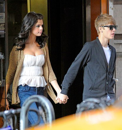 justin bieber e selena gomez wallpaper called <3